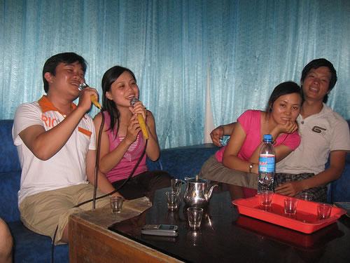 karaoke của anh em trong công ty